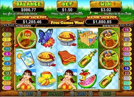Example of Realtime Gaming online slot game Small Fortune at Ruby Casino showing how money is won with a bonus code