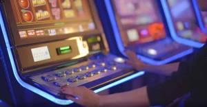 slot machine and hand