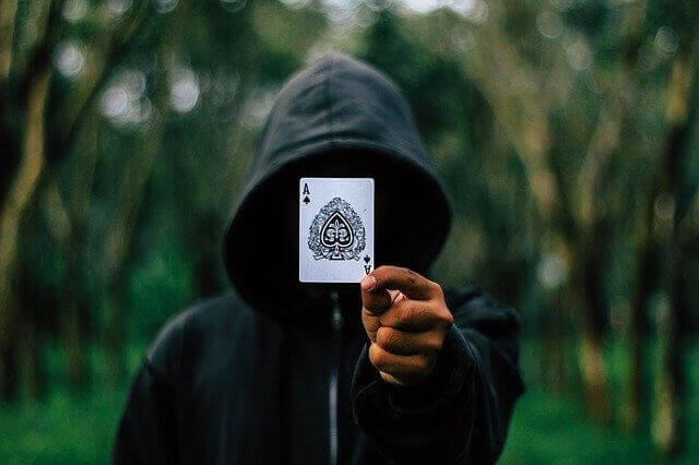 Online Poker Platforms Declare War on Scammers